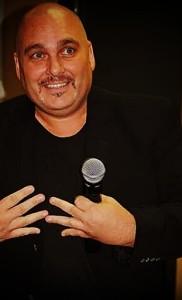 Rod R. Garcia Sings the Christmas Classics!